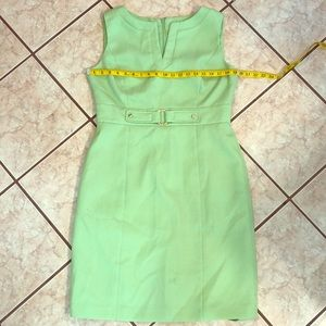 Lime green Tahari dress 👗